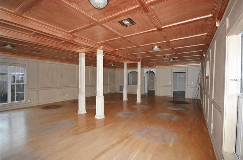 Beautiful Vintage Commercial Building For Sale In Deland