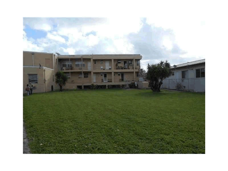 Miami Beach Waterfront Apartment Building For Sale - 13 ...
