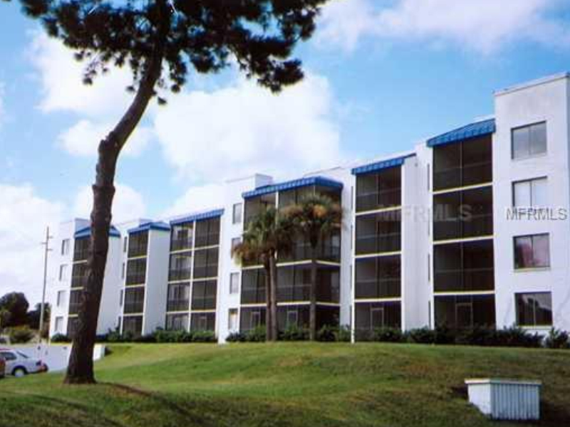 32 Unit Apartment Building For Sale in Tampa, FL - $3,900,000